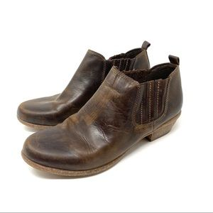 Clarks Artisans 10 Brown Leather Slip On Bootie